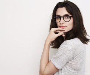 """""""الشكل مش أهم حاجة"""".. 5 صفات تتميز بها الزوجة المثقفة"""