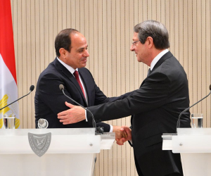 قبل القمة الثلاثية.. السيسي يلتقي رئيس وزراء اليونان بحضور قبرص