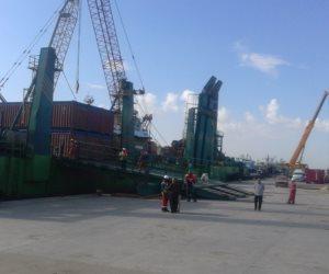"""نظرا لسوء الأحوال الجوية.. وصول البارج """"نسيم"""" إلى ميناء البرلس بكفر الشيخ"""