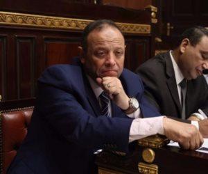 برلماني يطالب بصرف علاوة غلاء 200 جنيه