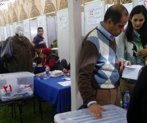 لهيطة يدلى بصوته في انتخابات الجزيرة (صور)