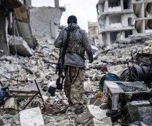 المواجهة الأمريكية الإيرانية تنتقل إلى سوريا والعراق.. ومركز بحثي يحذر من تقسيم سوريا عسكريا