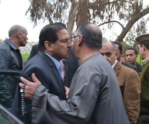محافظ الغربية يعزي أسرة شهيد مسجد الروضة بسمنود.. ويطلق اسمه على مدرسة (صور)