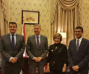 رئيس خارجية البرلمان يلتقى بسفير كندا بالقاهرة