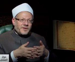 «خناقة كل سنة..الاحتفال بعيد الأم حرام ولا حلال؟».. المفتي يجيب