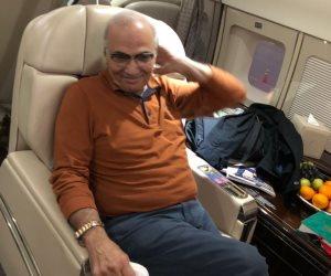 أول صورة لأحمد شفيق أثناء ترحيله من الإمارات