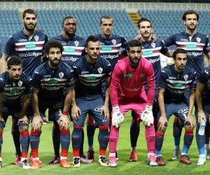 أيمن حافظ يثير غضب لاعبى الزمالك قبل مواجهة الاتحاد