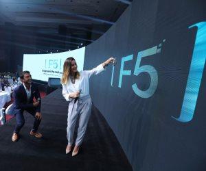 OPPO تطلق هاتفها الرائد الجديد F5: سيغير مفهوم السيلفي