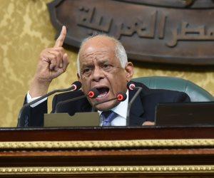 """""""اللى على راسه بطحه"""".. عبد العال: لدى ملف لنواب دأبوا على تشويه البرلمان"""