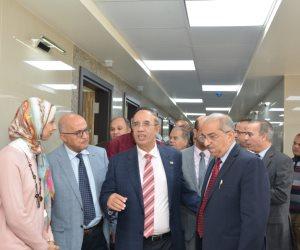رئيس جامعة أسيوط يفتتح جناحا للعلاج المميز بالمستشفى الجامعي الرئيسي(صور)