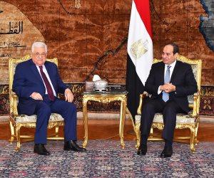 متحدث الرئاسة يكشف تفاصيل لقاء السيسي وأبو مازن في قصر الاتحادية (صور)