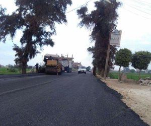 نائب ينشر صور لمشروعات الطرق وأعمال الرصف في الشرقية (صور)