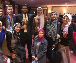 طالب بجامعة مصر يفوز بالمركز الأول في مسابقة الشعر الصيني (صور)