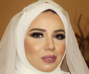 """خبيرة التجميل """"ياسمين أحمد"""" مكياج 2018 بألوان زاهية وعيون جريئة"""