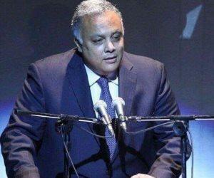 مساعد وزير الخارجية عن ينظم قافلة مجانية لعلاج فيرس C في مسقط رأسه