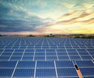 كوم امبو.. مدينة تسعى إلى العالمية في محطات الطاقة الشمسية