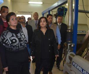 محافظ البحيرة ونائب وزير الزراعة يتفقدان المشروعات الزراعية بوادى النطرون (صور)