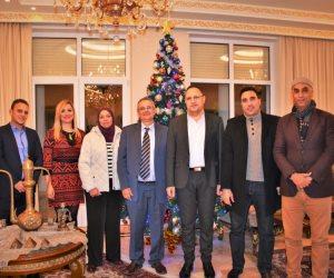 """السفير المصرى بألبانيا يشيد بـ """"شباب بتحب مصر"""" في قمة برشلونة للبيئة"""