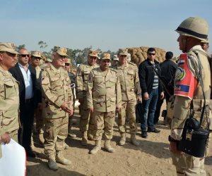 رئيس الأركان يشهد عددا من البيانات والأنشطة التدريبية لطلبة الكلية الحربية (صور)