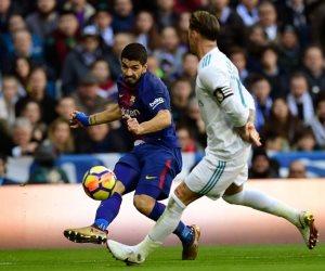 60 دقيقة.. سواريز يلدغ ريال مدريد في برنابيو والملكي يبحث عن ماء الوجه (فيديو وصور)
