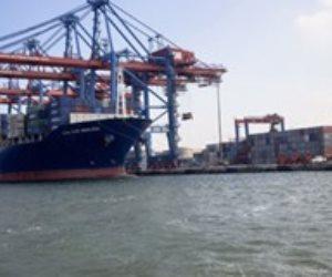 دخول وخروج 22 سفينة بموانئ بورسعيد رغم سوء الأحوال الجوية