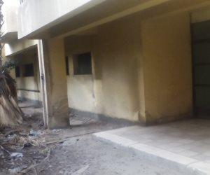 """""""باب النجار مخلع"""".. مستشفى غزل دمياط مفيهاش أدوية (صور)"""