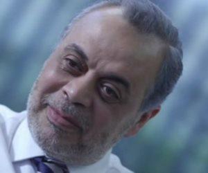 """أشرف زكي """"الرجل الغامض بسلامته"""" حكاية من """"خالتي صفية والدير"""" لـ""""ظل الرئيس"""""""
