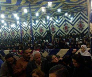 نائب حلوان ورموز الأزهر يهنئون الأقباط بعيد الميلاد المجيد بكنيسة حلوان