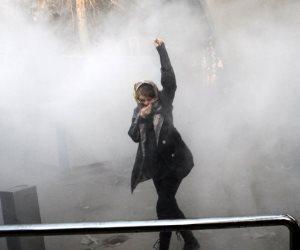 معدل التضخم حاليا أكثر من 19%.. هل عزل الوزراء يحسن الأوضاع الاقتصادية في إيران؟
