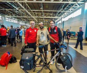 بعد رحلة الجابون.. محمد نوفل يطير بدراجته إلى روسيا مارس المقبل (صور)