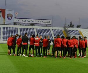 لاعبو «الأهلى» يؤدون تدريباتهم الصباحية مع أخصائي التأهيل