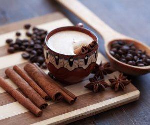 لو بتحب القرفة .. 10 فوائد صحية عند إضافتها للقهوة