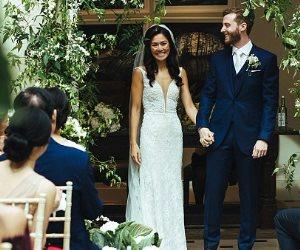 حلمت أن تكون فراشة في ليلة العمر..فتاة تغير نمط حياتها لترتدي فستان زفاف رقم 8