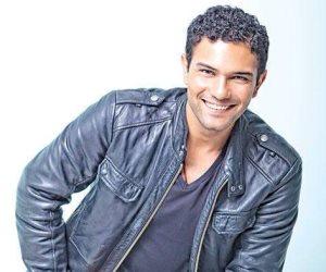 الجمعة.. آسر ياسين في ضيافة عمرو الليثي لكشف أسرار مسيرته الفنية