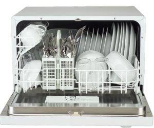 عدم فتح غسالة الأطباق حتى تبرد وتنظيف الإطار المطاطي لمنع انتشار البكتريا في المطبخ