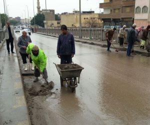أمطار غزيرة تغرق شوارع مدن البحيرة (صور)