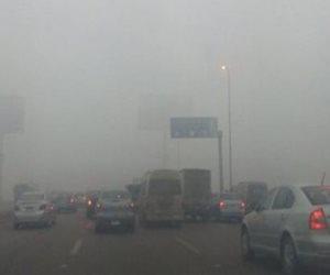 """شبورة كثيفة على الطرق الرئيسية.. و""""المرو"""" تناشد السائقين بتوخى الحذر"""