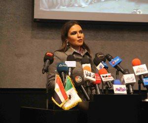"""رئيس النواب عن سحر نصر: """"مفاوضة عنيدة وأكلت مع الفلاحين"""" (صور)"""