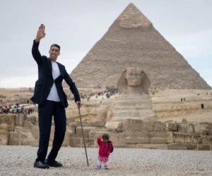 أطول رجل وأقصر إمرأة فى العالم في ضيافة منى الشاذلى.. الخميس المقبل