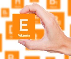"""جمالك في الشتاء .. فيتامين """"E"""" يحمي من الجفاف وتقدم العمر"""