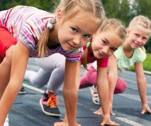 الاهتمام بالحصص الرياضية وألعاب الكرة في المدارس يحسن صحة العظام بين الطلاب