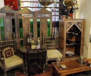 المشربية والمصابيح النحاسية لمسات أنيقة ومميزة لديكورات المنازل العربية