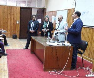 محمد ثروت يقدم دورة التحرير الصحفي بدار العلوم