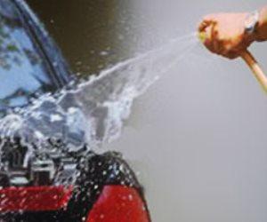 سيارات القاهرة تسبح فى مياه المغاسل العشوائية.. والعطش يهدد الغلابة