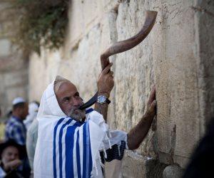 """""""ربنا بتاعنا لوحدنا"""".. الاحتلال الإسرائيلي يحظر الآذان ويصادر الكنائس بحجة """"إزعاج اليهود"""""""