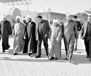 أزهريون في مرقد الإمام علي بالعراق (صور)