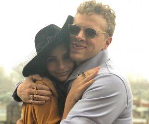 بعد شهرين من انفصالها.. إميلي راتاجكوسكي تزوجت بدون حفل زفاف (صور وفيديو)