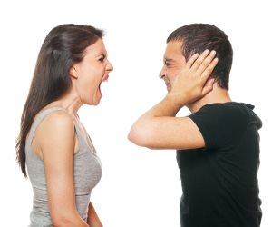 """""""بلاش وخلي المشوار يعدي علي خير"""" أغلب المشاحنات الزوجية تتم في السيارة"""
