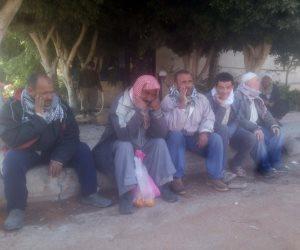 """معاناة عمال النظافة بالشرقية: """"مبقاش فيه صحة للمعافرة.. واليومية 20 جنيه"""" (صور)"""