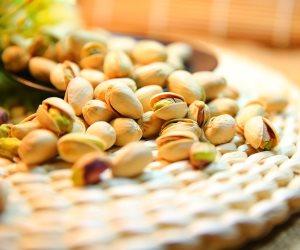 لماذا يجب أن نأكل حبات من الفستق يوميا ؟ الإجابة تقوي العظام وتحسن صحة القلب